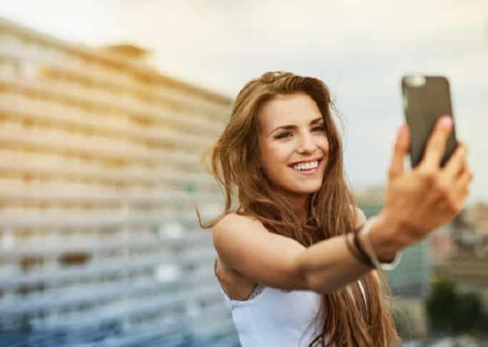 Kualitas Kamera Smartphone Terbaik Untuk Berfoto Saat Traveling