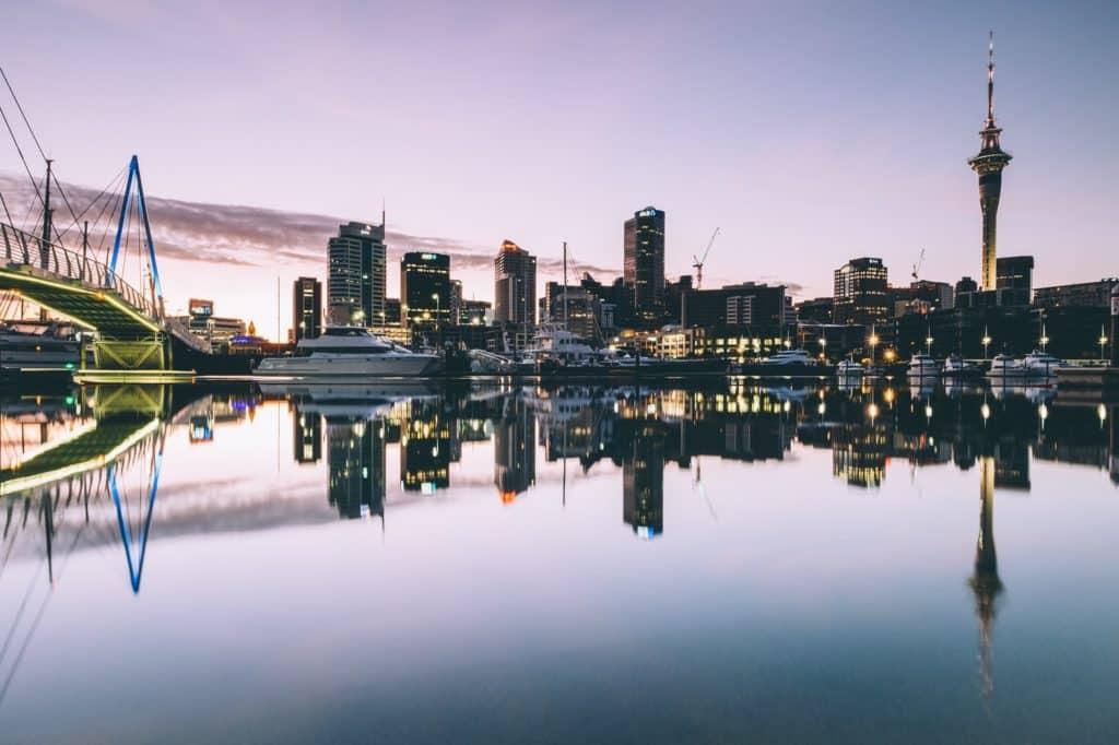 auckland 8 Kota di Dunia ini Memiliki Waktu Puasa Tercepat  https://unsplash.com/photos/hIKVSVKH7No Photo by Dan Freeman